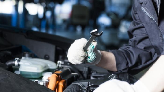 【秋田県秋田市】地元で安定整備職!建機レンタル会社の自動車整備業務