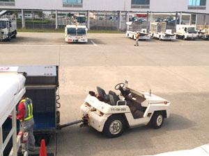 帰りの空港内での特殊車両
