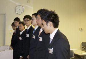 辞令・入社記念贈呈:新入社員各営業所代表